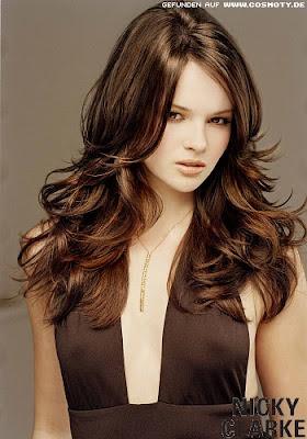 Moda Ella y mas: Destacados estilos de cabello largo 2012
