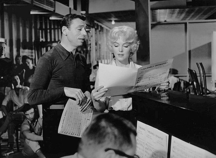 Monroe and Yves Montand in the musical comedy Let's Make Love(1960), which she agreed to make only to fulfill her contract with Fox.