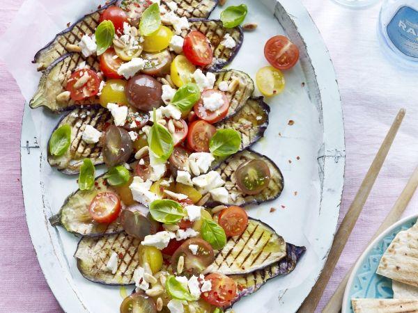 Gegrilde aubergine met tomaat en feta (Libelle Lekker!)