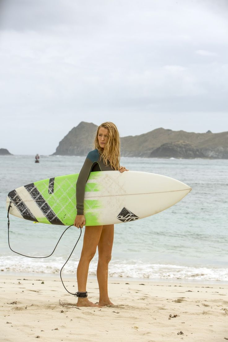 Blake Lively The Shallows Image 2