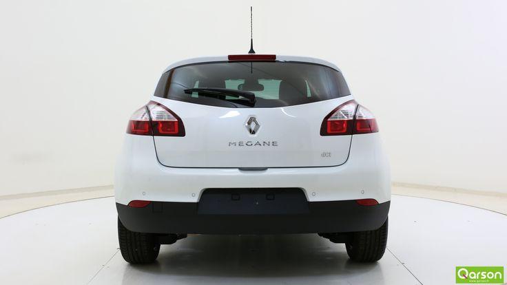 Ses feux arrière équipés également de la technologie LED s'intègrent harmonieusement à ses courbes.