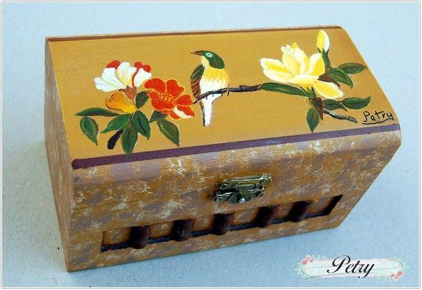 Caja madera decoracion pájaro. www.petry.es