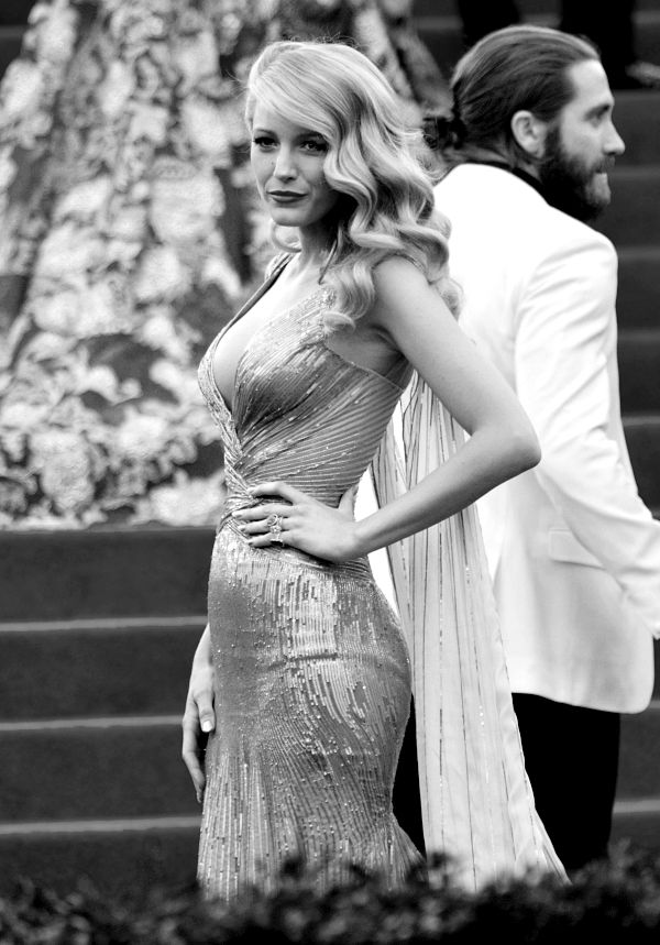 Blake channeling old Hollywood glamour