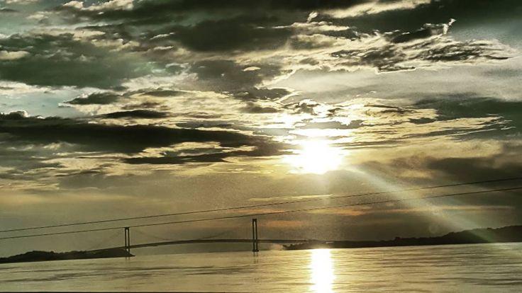 Mi puente Angostura cada atardecer cada día distintos uno más bellos que otro #venezuela #paseoorinoco #ciudadbolivar #igersvenezuela #IGERSGUAYANA