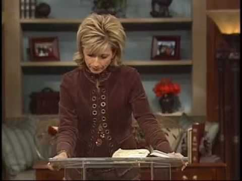 ▶ 4/6 Beth Moore - Pressing Past Our Fears - YouTube
