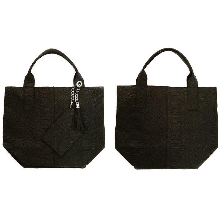 #Mooie lederen zwarte shopper met krokoprint, en een bijpassend tasje om de kleine dingen niet kwijt te raken in je tas. Handig voor werk of een gezellig dagje shoppen #shop nu deze mooie tas op www.tasselino.nl #tasselino. #trendyenstijlvol #tassen - - - - #Nice leather black shopper with crocodile print, and a matching bag to avoid losing the little things in your bag. For work or a day shopping #shop this beautiful bag now at www.tasselino.nl #tasselino. #trendy #bags