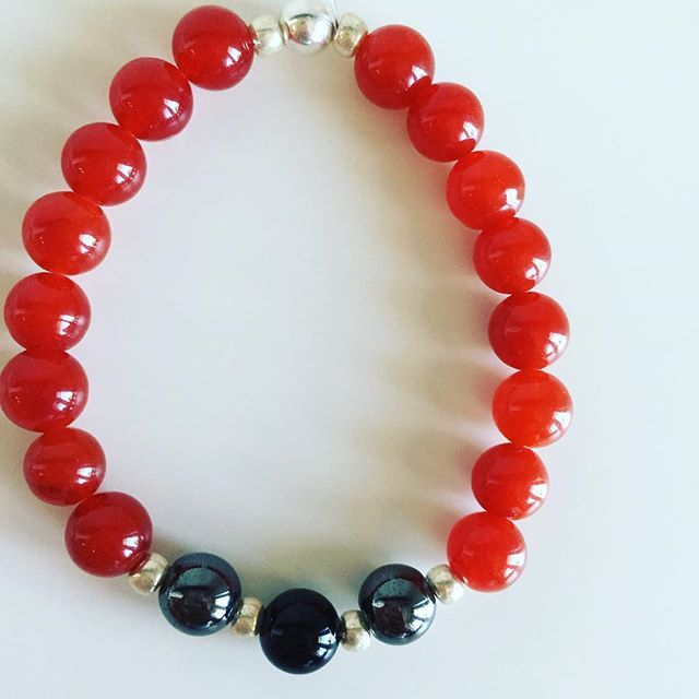♈️ Aries bracelet: Carnelian, Hematite, Onyx, Czech rocailles, Silver Price EUR 20 (plus EUR 4 for international registered shipping, and EUR 4 for optional gift package). For your personal bracelet, contact me on e-mail in bio.  #bracelet #bracelets #semipreciousstones #aries #zodiac #sign #hematite #onyx #carnelian #silver #armcandy #armparty #jewellery #jewelry #jewellerymaking #jewellerybrand #jewellerydesign #czechbrand #ombljewellery #dowhatyoulove