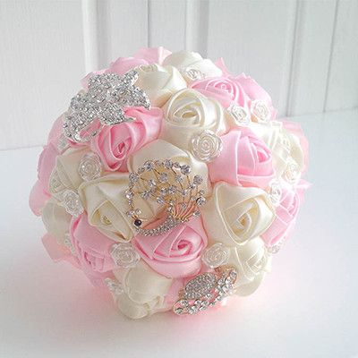 Honey Qiao Wedding Bouquets Bridal Buque De Noiva 2017 Romantic Pink and White Holding Flowers Sweet Rose with Brooch Crystal