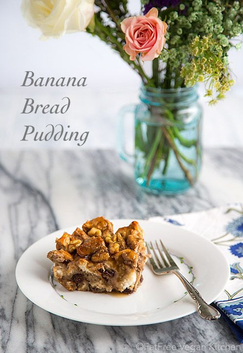 Vegan Banana Bread Pudding - you would never guess this is a low-fat dessert! #healthy #breakfast #frühstücken #gesund #cake #recipe