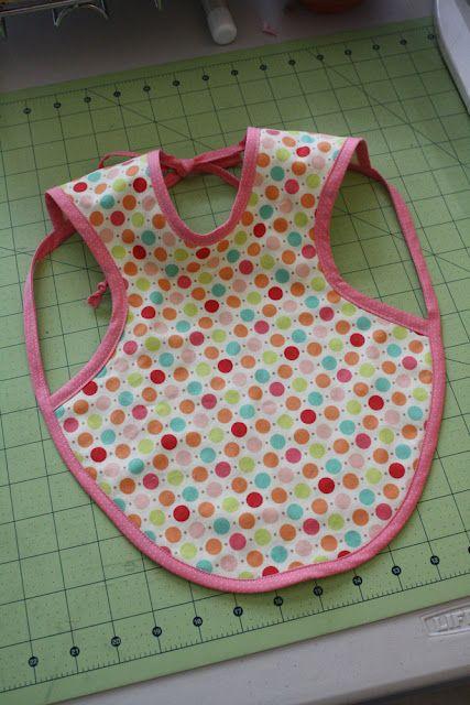 diy baby apronAprons Pattern, Free Pattern, Bibs Aprons, Baby Aprons, Aprons Bibs, Diy Baby, Apron Patterns, Baby Bibs, Baby Shower