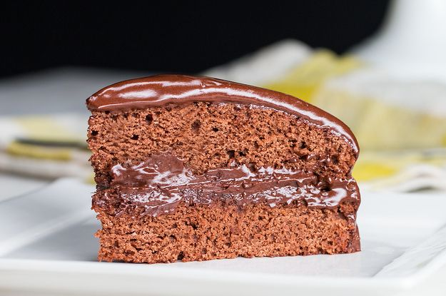 You'd Never Be Able To Tell That This Decadent Chocolate Cake Is Totally Vegan