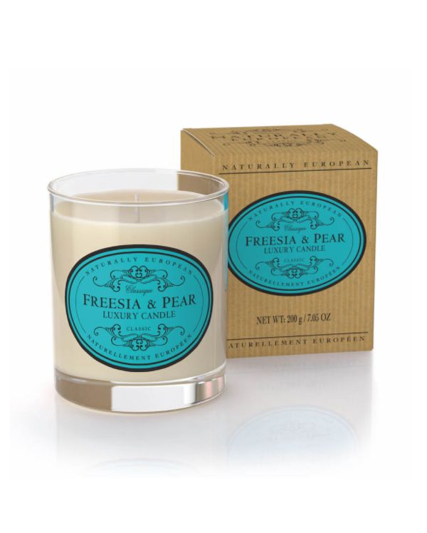 Wonderful Organic Candles - Freesia & Pear- A seriously great quality candle which burns well and perfumes the room brilliantly. Made with organic plant wax, essential oils and 100% natural ingredients, these candles are clean burning, sustainable and kind to your environment.  A divine combination of the sweet, juicy aroma of pear with the delicate floral fragrance of freesias.   40hr burn time  200gms