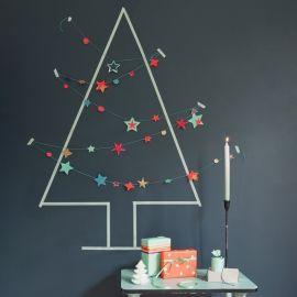 Gezien op gezienindebladenenzo.nl - wat een feest met zo'n slinger aan de wand. Kan ook na de kerst gebruikt worden! En nog veel meer mooie spullen...