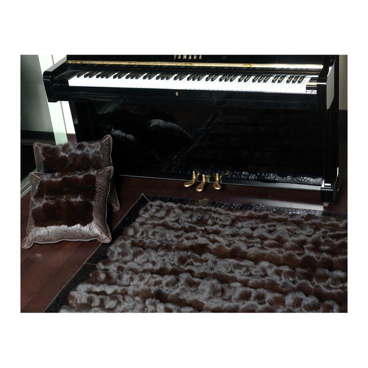 Fur rug k-122524 fox testa di moro frame jurasico testa di moro ORDER HERE: http://www.furhome.gr/store/fur-rug-k-122524-fox-testa-di-moro#