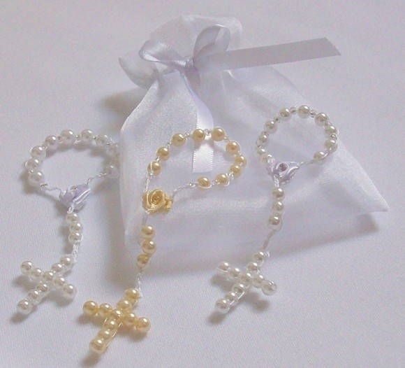 Tercinhos de pérolas todo artesanal para lembrancinha de  batizado,nascimento,primeira comunhão e outros.