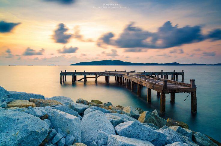 Photograph Seascape Of Old Dock - Khao Leam Ya (เขาแหลมหญ้า) by Taweesak Boonwirut on 500px
