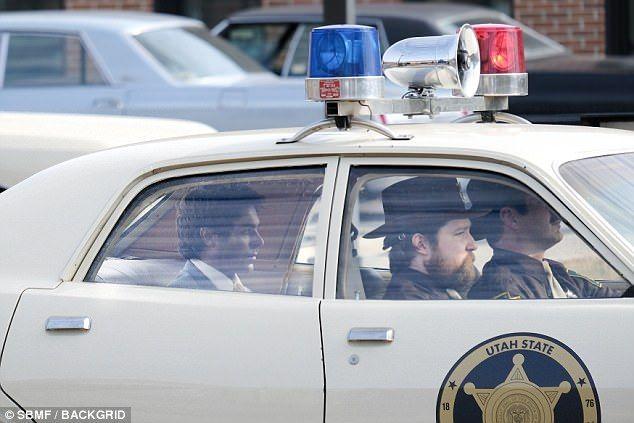 Zac Efron Transported In Police Car Police Cars Police Car
