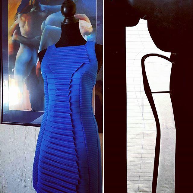 🎧🎧🎧🎧🎧🎧🎧🎧🎧🎧🎧🎧🎧🎧🎧🎧🎧 #nellytrines #isew #naaien #nähen #sewingblogger #fabricmanipulation #fashiondesign #patternmaker #dressmaker #jurk #pattern #шьюсама #шитьлюблю #ателье #индпошив #tailor #urbanstyle
