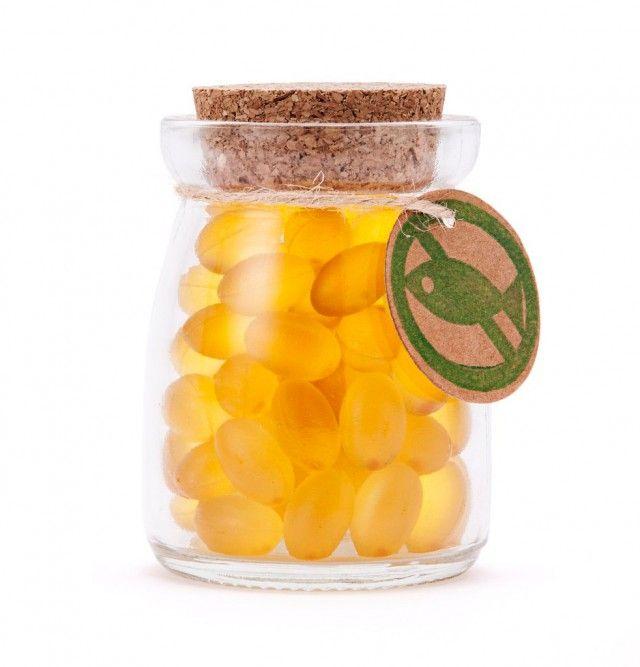 Omega-3 is gezond. Daarom wordt er visolie gemaakt – van vis. Terwijl die vis het zelf uit algen haalt. Koop dus algenolie!