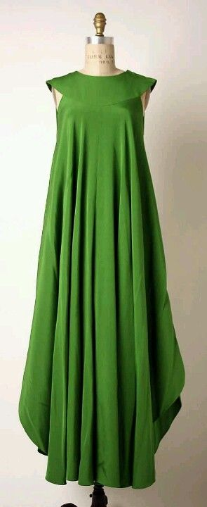 Hard to believe this was made by Madame Gres too, but I'll bet it looked fabulous on whatever client she made it for.