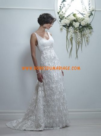 Birnbaum et Bullock belle robe de mariée glamour longue avec bretelles col rond dentelle Style Sara