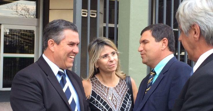 Prefeitos cobram da Petrobras retorno das obras do Comperj