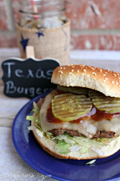 Texas Burgers recipe, great for grilling. Perfectly spiced lean ground beef grilled to perfection and topped with pepper jack cheese, pickles and BBQ sauce