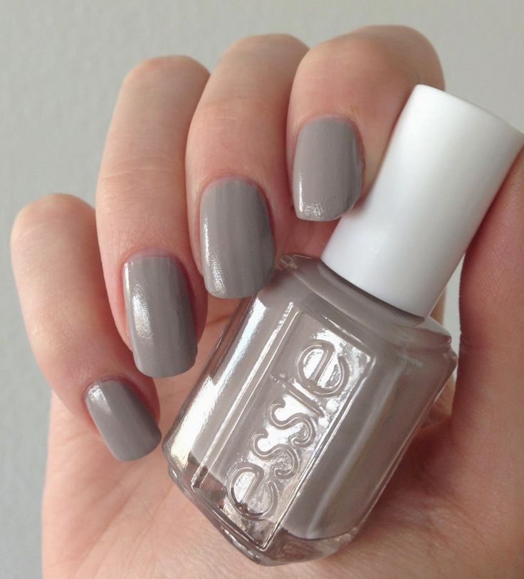 essie fall 2014 take it outside nail art yellow beige glitter http://www.emotion-wizard.com/2014/09/le-puy-du-fou.html