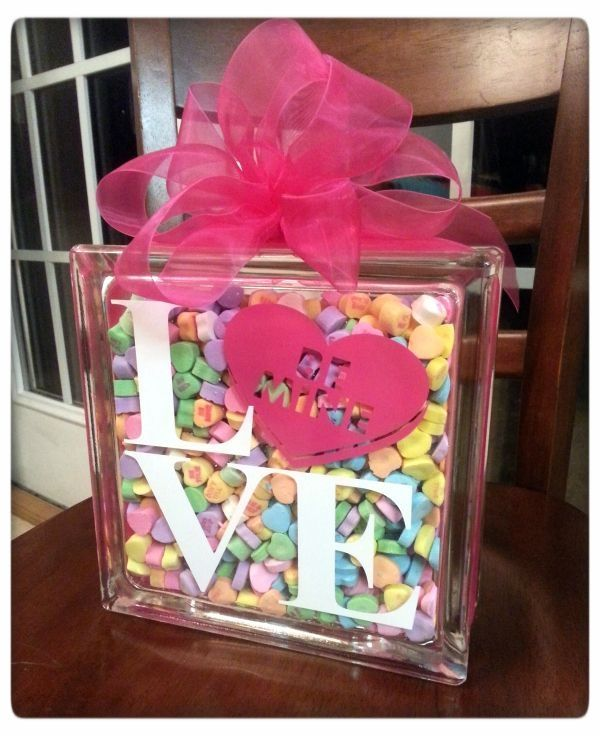 DIY Sweetheart Glass Block Tutorial {a fun Silhouette project for Valentine's Day} | MyPaperCraze by michelle caple