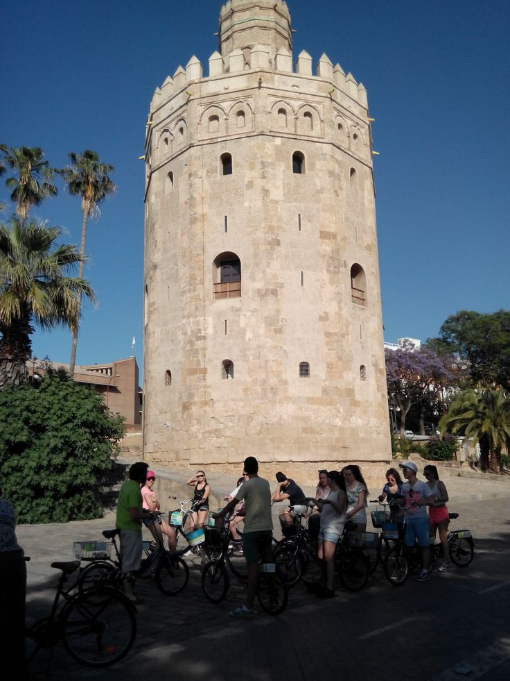 Bike rental and guided tours in Seville. Torre del Oro.