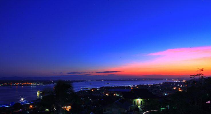 Teluk Kota Kendari saat Sunset, Sulawesi Tenggara, Indonesia