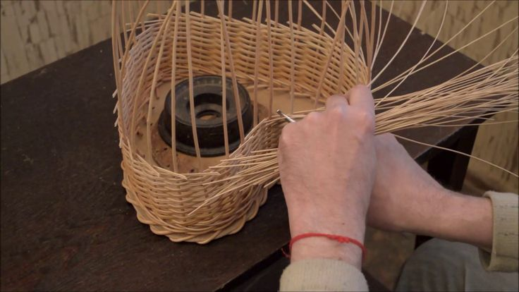 Плетение из лозы-Корзинка-Валентинка