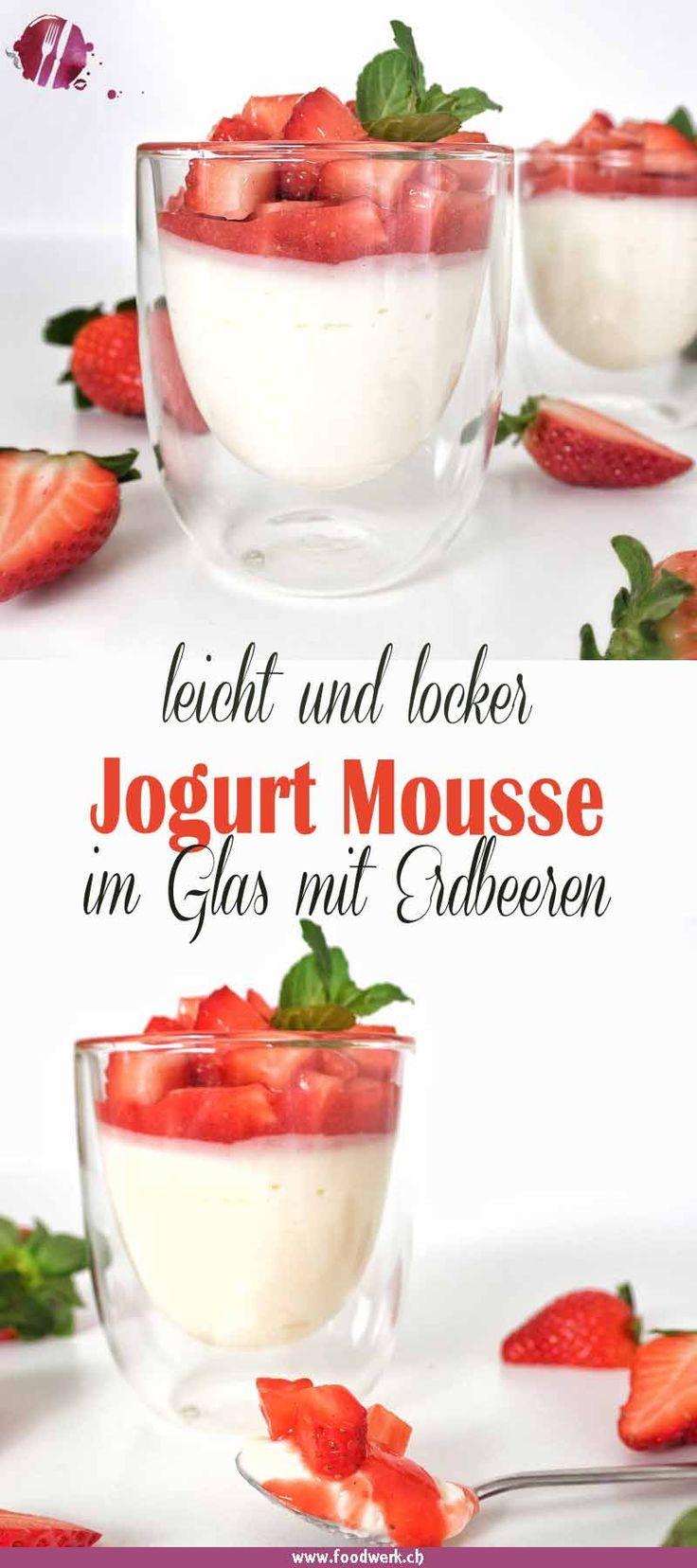 Luftiges Jogurt Mousse mit Erdbeeren