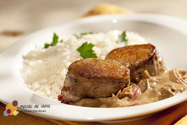 Confira essa deliciosa combinação de carne suína e molho de café solúvel e páprica.