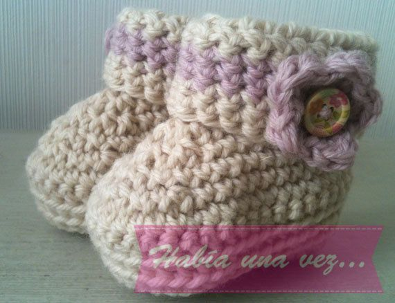 Baby girl knitted boots on Etsy, US$12,00
