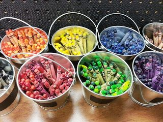 Great way to use crayons in classroom. Love the crayon cakes that she makes for the kids.