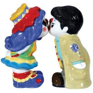 Clown Kissing Salt and Pepper Shakers Clowns make us laugh and we never see the romantic side of them, this just reminds us that clowns are human too. http://theceramicchefknives.com/novelty-salt-and-pepper-shakers/  Clown Kissing Salt and Pepper Shakers