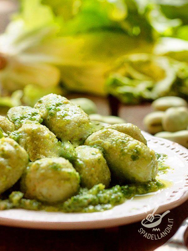 Potato dumplings with cream of broccoli - Con gli Gnocchi di patate alla crema di broccoli portate in tavola un piatto che è al contempo saporitissimo e genuino, per un pieno di salute! #gnocchiaibroccoli