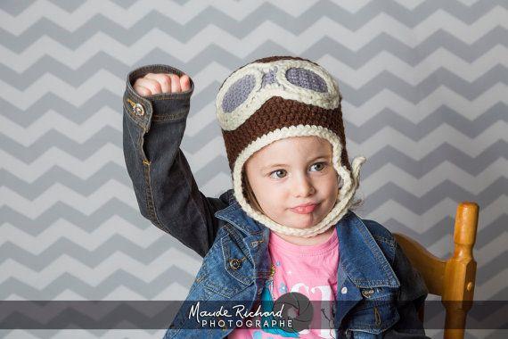 Retrouvez cet article dans ma boutique Etsy https://www.etsy.com/ca-fr/listing/226937935/tuque-de-pilote-davion-en-tricot-bonnet