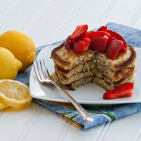Lemon poppyseed pancakePoppys Pancakes, Seeds Pancakes, Poppyseed Pancakes, Lemon Poppies Seeds, Cinnamon Almond, Poppies Pancakes, Pancakes Batter, Lemon Blueberries Pancakes, Lemon Poppys