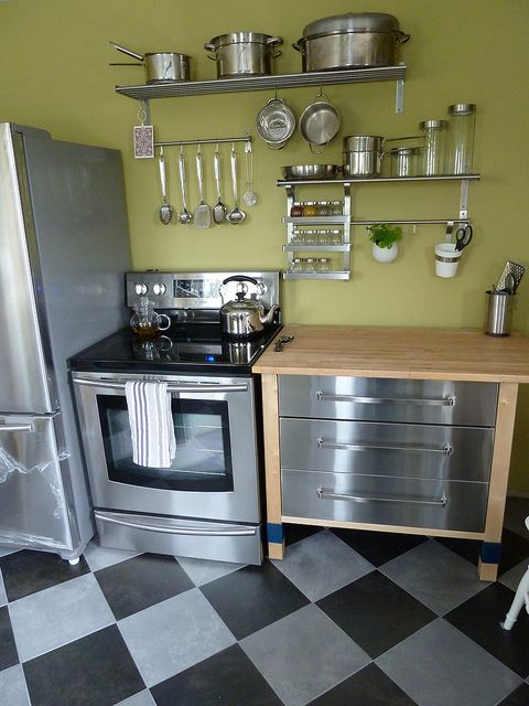 Varde Kitchen And Green Walls LOVE