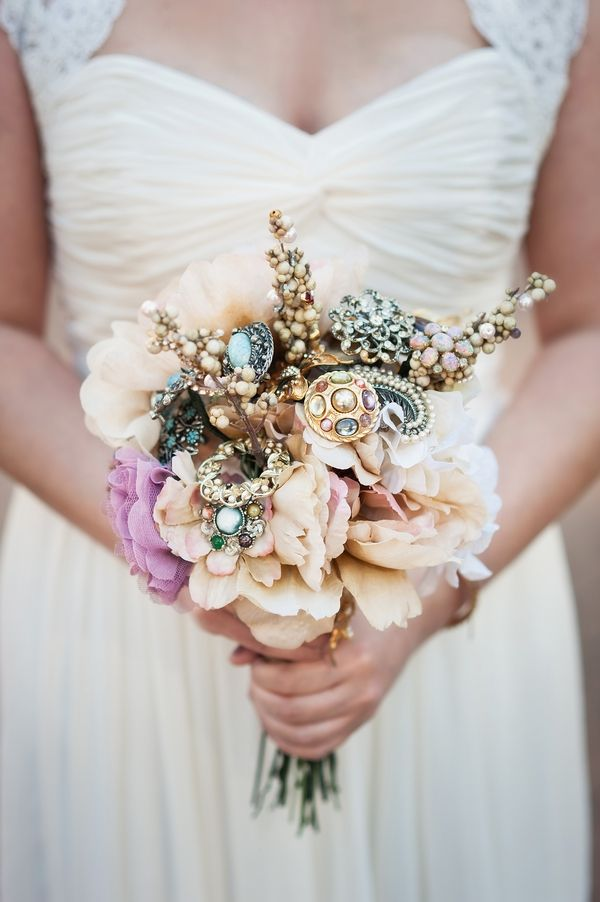 brooch bouquet  -