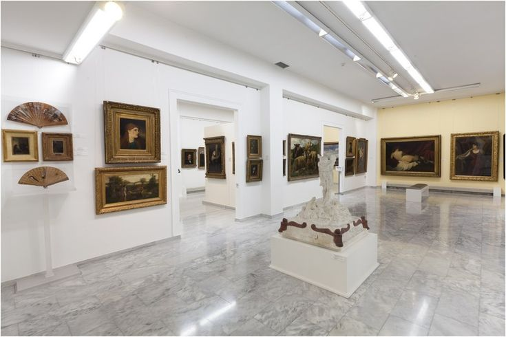 The amazing private collection of Kouvoutsakis in the gallery he created. (Walking Athens, Kifissia - r.19)