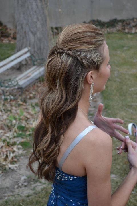 Side braids, poof up top, hair pulled half up and loose, wavy curls....LOVE this braided hairstyle!