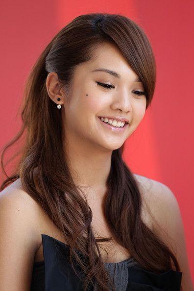 Hair & Make-up. Gorgeous! Rainie Yang <3