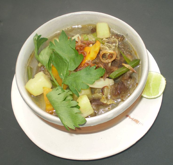"Sop Buntut Sapi At ""Waroeng Dhahar Pulosegaran"" Tembi Rumah Budaya"