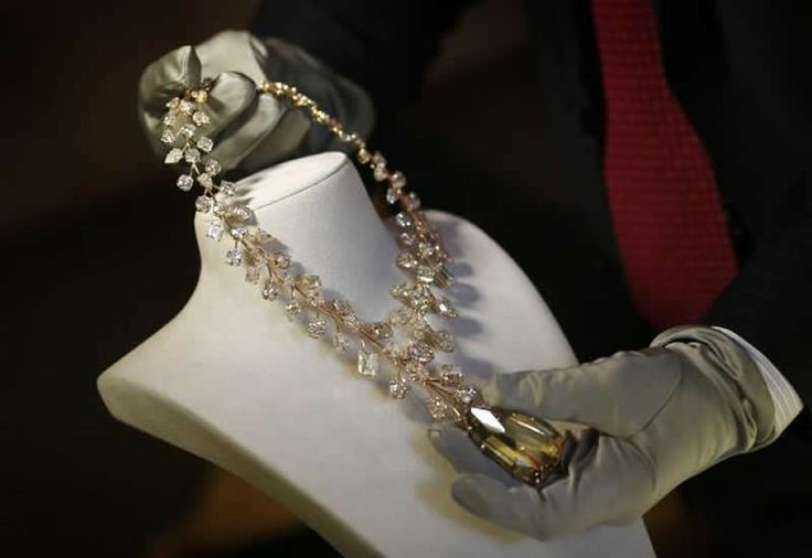 The world's most expensive necklace worth $55 million is on sale in Singapore - Pursuitist