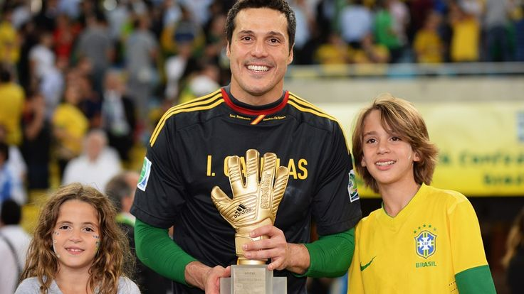 RIO DE JANEIRO, BRAZIL - JUNE 30: Julio Cesar of Brazil celebrates with the adidas Golden Glove award after the FIFA Confederations Cup Brazil 2013 Final match between Brazil and Spain at Maracana on June 30, 2013 in Rio de Janeiro, Brazil. (Photo by Stuart Franklin - FIFA/FIFA via Getty Images)