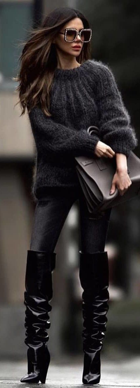 #winter #outfits gray crew-neck sweater. Pic by @milano_streetstyle.