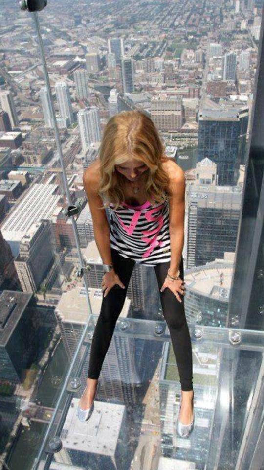 ღღ 103rd floor observation deck / Sears Tower, Chicago ~~~ NOOOOO... Cannot do that one..just looking at the pin makes my head spin..